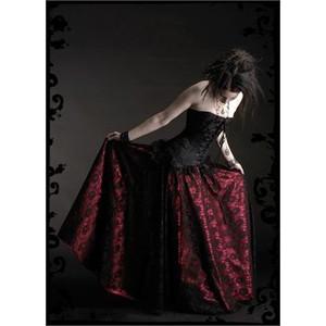 Romantic goth fashion